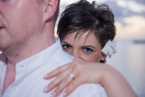 mauritius wedding photographer capturing the beautiful eye of a newly married couple