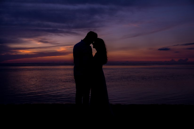 couple in silhouette having good time