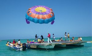 Group of people doing Parasailing in Mauritius